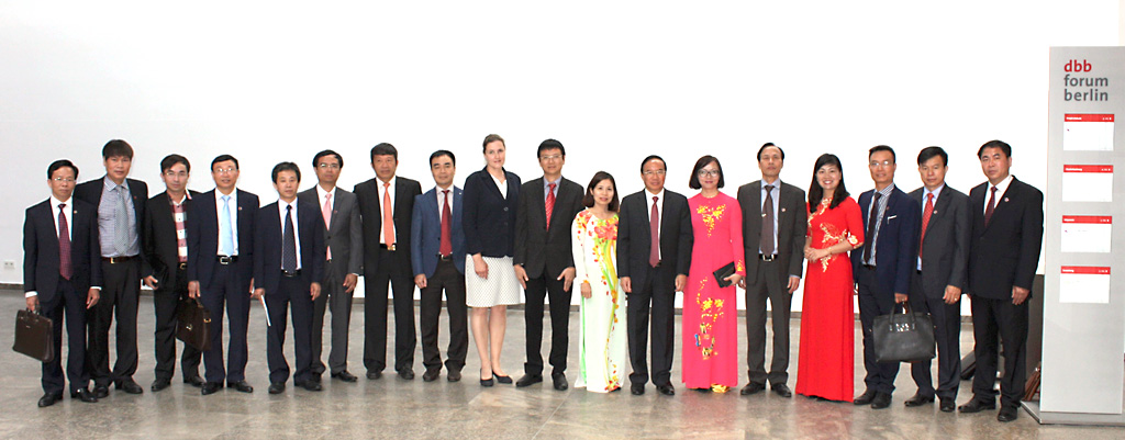 Photograph: Delegation from Vietnam