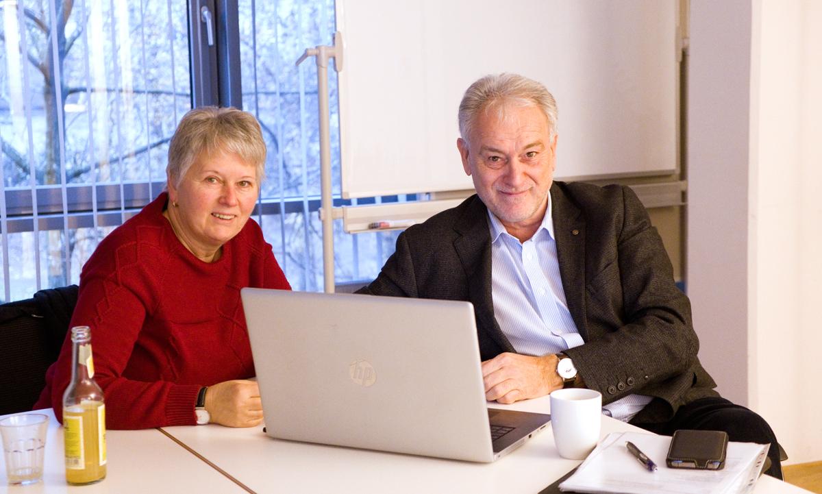 Foto: Daniela und Helmuth Wolf beim Meeting