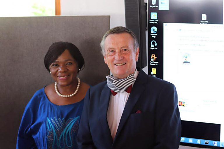 Photo: Thuli Madonsela and Erwin Schwella